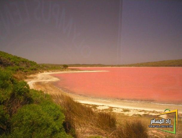 أدلة سياحية البحيرة الملونة